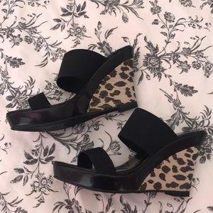 Beautiful leopard shoes